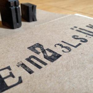 Klappkarte_Einzelstueck_Holzletter_by_Typo-Graphic-Design_7485