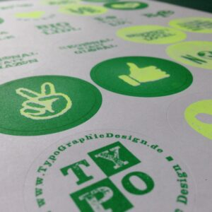 Riso-Sticker_ECO_CO2_by_Typo-Graphic-Design_close up_9471