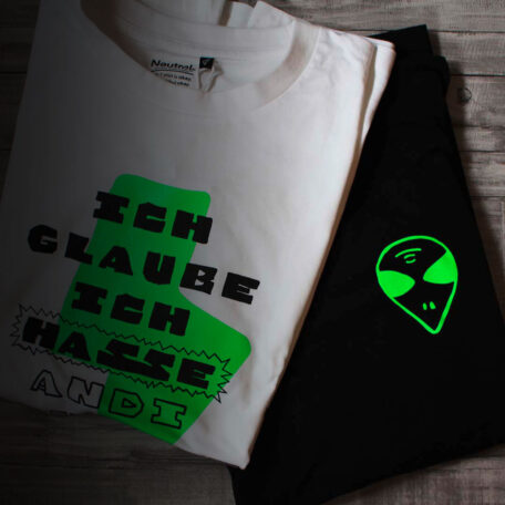 T-Shirt_Andi-Alien_Leave-No-One-Behind_by_TypoGraphicDesign_Maed_3